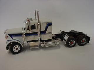 Click image for larger version.  Name:Freightliner 001.jpg Views:136 Size:52.3 KB ID:1392